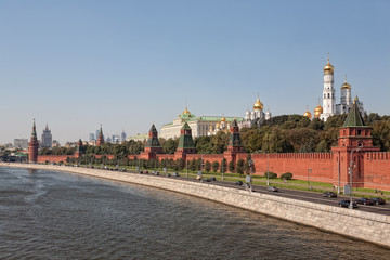 Kind to the Moscow Kremlin and quay Moskva River