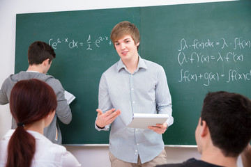 Studenten im Klassenraum