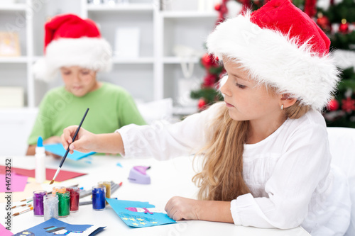 Kids making christmas greetings - 44733252