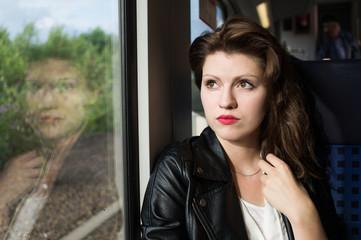 Bahn fahren Frau