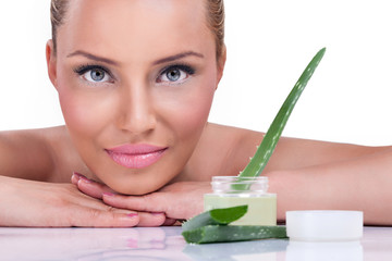 Cosmetic aloe cream
