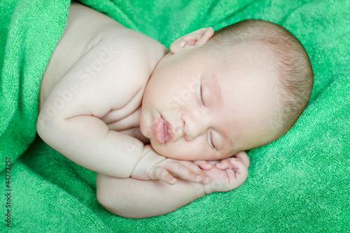 Как сделать чтобы малыш спал всю ночь