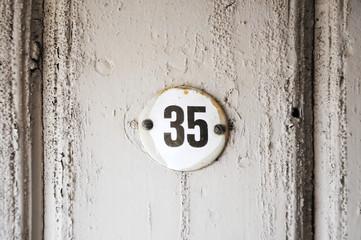 Hausnummer 35