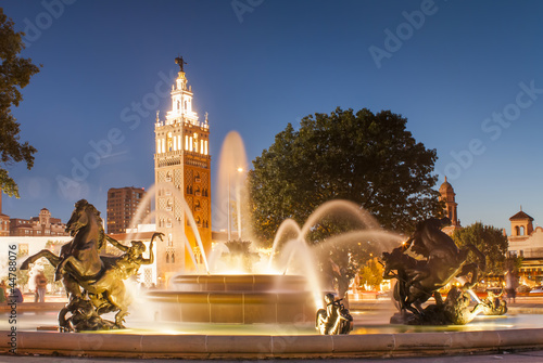 Fotobehang Fontaine Kansas City Missouri Fountain at Country Club Plaza