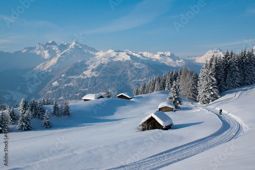 canvas print picture Winterwanderung in den Alpen