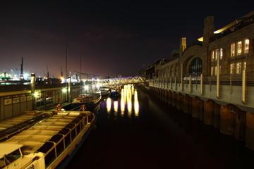 Landungsbrücken am Hamburger Hafen