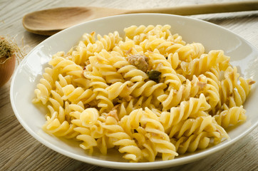 Fusilli with tuna, capers and ginger