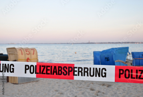 Polizeiabsperrung am Strand