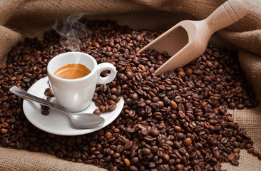 Espresso con caffè in grani