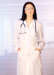 medical doctor in the surgeon