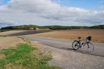Herbstlandschaft mit Fahrrad