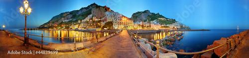 Plexiglas Stad aan het water Amalfi a 360 gradi, notturno