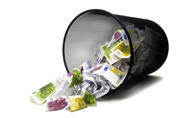Euro à la corbeille