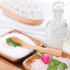 Wellness Arrangement in Weiß, Rosa und Grün