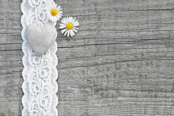 Herz & Blumen im Landhausstil