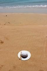cappello sulla spiaggia