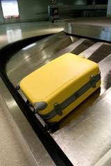 Wheeled suitcase carousel