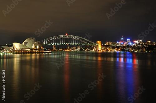Sydney Harbour w nocy