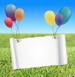 Zettel mit Luftballons im Sommer