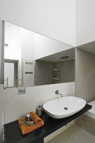 dettaglio del lavabo nel bagno moderno,