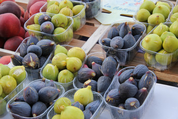 Figs at a French market