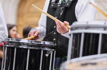 biniou,bagad,tambours,baguettes,cornemuses,