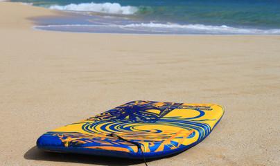 Surfbrett am Strand (4)
