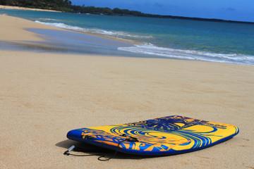 Surfbrett am Strand (1)
