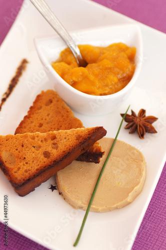 foie gras et ses tranches de pain d'épices 1