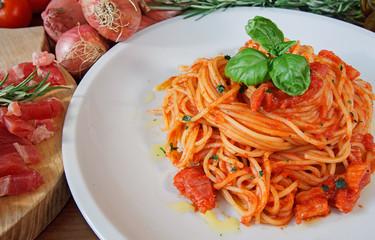 Spaghetti alla amatriciana...Tradizione Italiana