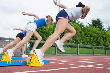 Women starting the race