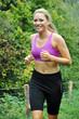 Junge Frau beim Jogging