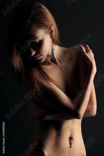 Обнажённая девушка