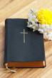 Gebetbuch mit Jasminblüten