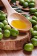 olio di oliva e frutti biologici
