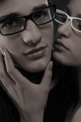 coppia con occhiali