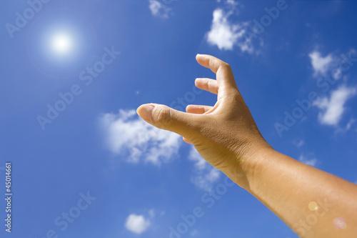 光を掴む手