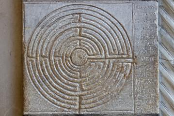 Labirinto di pietra