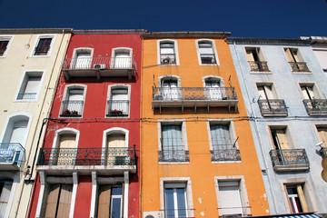 Façade colorée à Sète (Hérault).