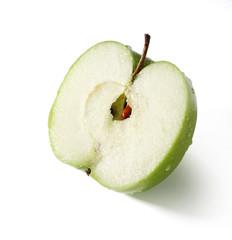 frischer grüner Apfel aufgeschnitten