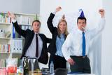 Fototapety geburtstagsfeier im büro
