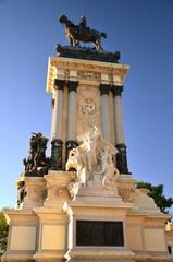 Pomnik Alfonsa XII w parku Retiro w Madrycie, Hiszpania