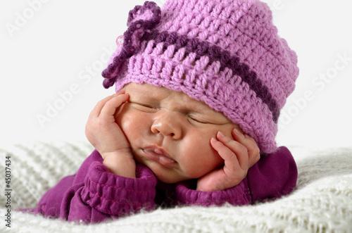 Neugeborenes Mädchen