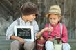Kinder beim Verkauf