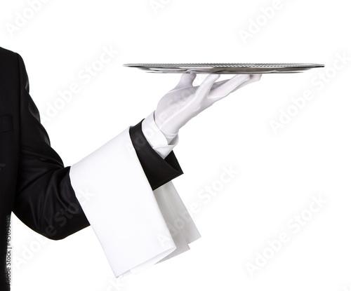 Kelner gospodarstwa pusty srebrny zasobnik samodzielnie na białym tle