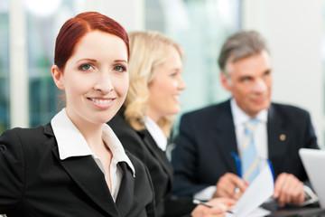 Geschäftsleute - Besprechung in einem Büro