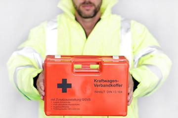 Notarzt mit Rettungskoffer