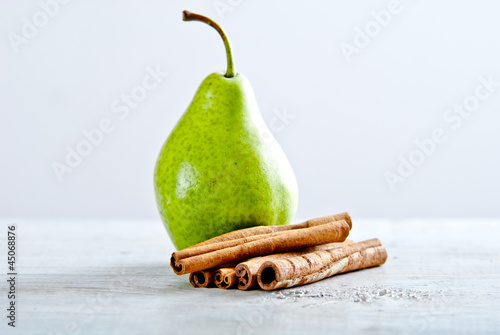 pear with cinamon