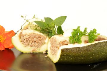 gefüllter Zucchini