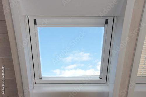 Fototapete dachfenster  Fototapete Dachfenster
